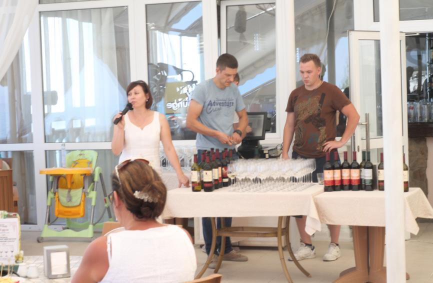 Начался рассказ о сортах вина