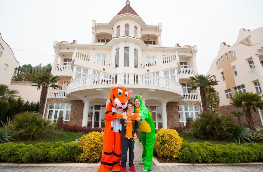 Фотосессия с почти настоящим тигром!