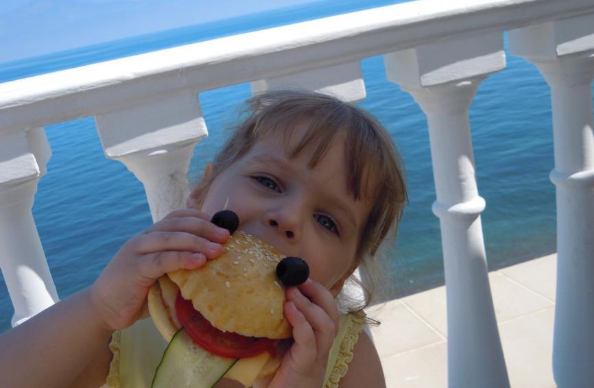 Кулинарный мастер-класс для самых маленьких: мы делали настоящие гамбургеры!